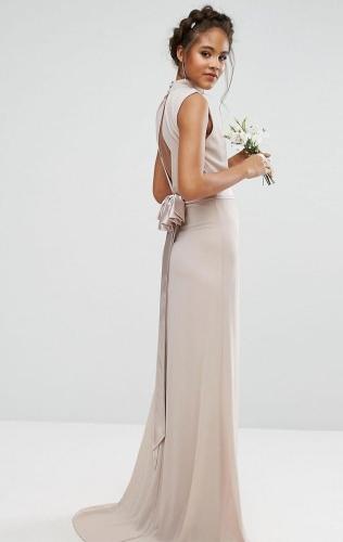 2ce1f265ee Sukienka maxi długa szyfonowa z kokardą półgolf brąz Divine Wear ...
