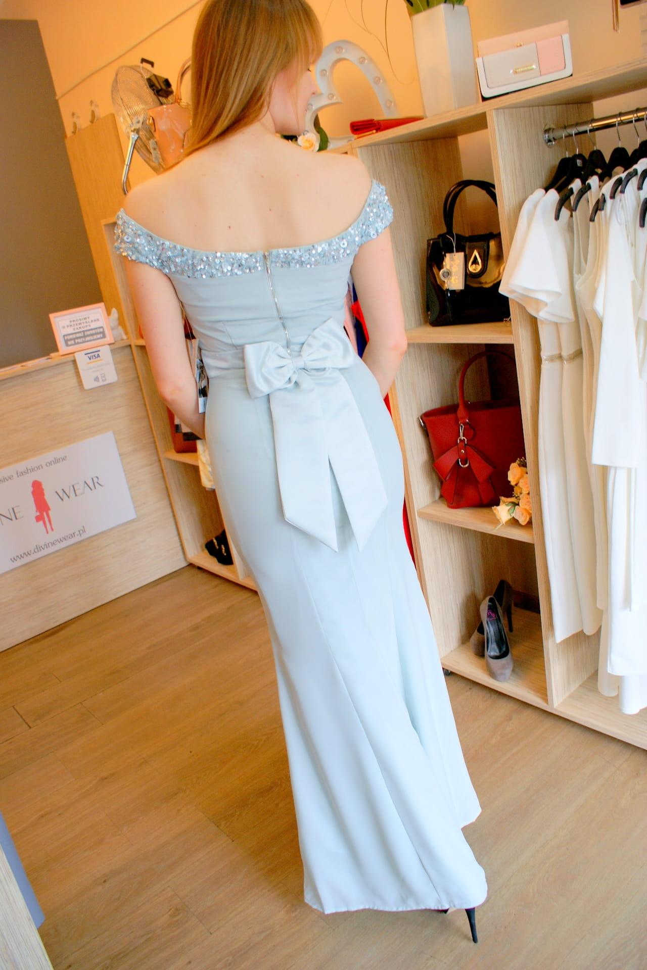 Sukienka suknia maxi długa ze stójką czarna Divine Wear